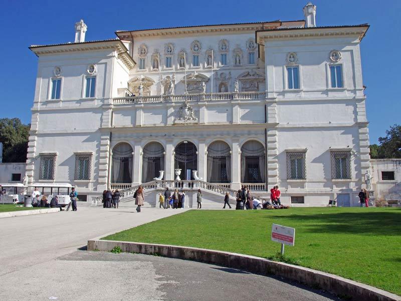 Villa_Borghese_-_photo_by_Cosmin_Sava_-_Shutterstock.com